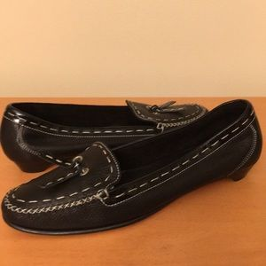Cole Haan black leather loafers size 9b